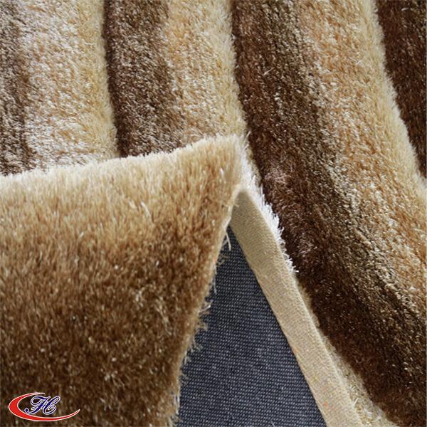 Thảm được dệt từ 100% sợi Polyester tự nhiên.