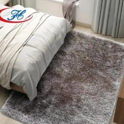 Thảm trải sàn Hlyp18119 03 với tông màu và chất liệu đem lại vẻ sang trọng cho căn phòng